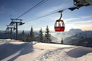 Gondel im Skigebiet der Alpen