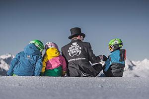 Ski-Cavaliere mit Kindern in Gitschberg Jochtal Südtirol