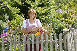 Gabi Buchöster ist die Kräuterfrau vom Daxlbergerhof ©www.guenterstandl.de