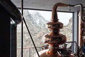 Destillerie auf dem Corvatsch in Graubünden in einer Höhe von 3.303 Metern