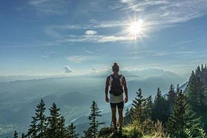 Wandern Alpen Rucksack Packen