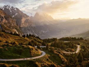Alpen schweiz Serpentinen ©Switzerland Tourism